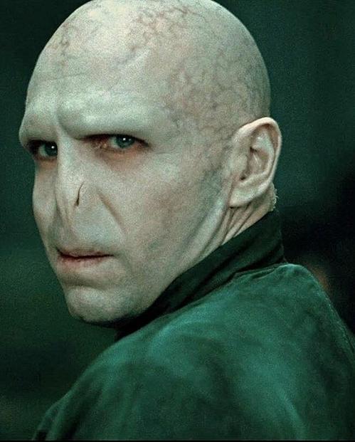 Voldemort quen thuộc trên màn ảnh.