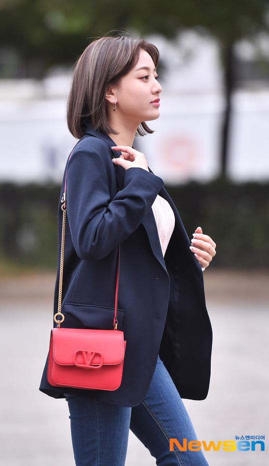 <p> Ji Hyo trung thành với phong cách thanh lịch.</p>