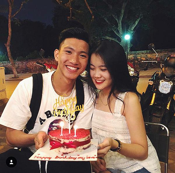 Cặp đôi công khai từ tháng 4/2018 và nhận được sự ủng hộ của người hâm mộ.