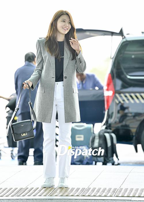 Soo Young là khách mời của Tuần lễ thời trang Paris.