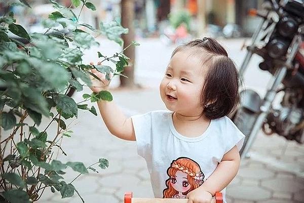 Tháng 3/2017, vợ Tuấn Hưng sinh con gái thứ hai cho ông xã. Tên khai sinh của bé là Nguyễn Trần Mỹ Anh, tên ở nhà là Son. Tuấn Hưng cho biết vợ chồng anh đặt tên con rất đơn giản, không muốn đặt tên nhiều ý kiến để tạo áp lực cho con.