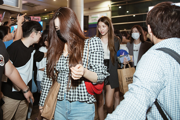 Lần đầu tiên đến Việt Nam nên các cô gái không giấu được sự hồi hộp lẫn phấn khích khi sắp sửa gặp fan Việt. Theo tiết lộ, các cô gái sẽ mang đến baca khúc, đây đều là các hit quen thuộc với người hâm mộ.