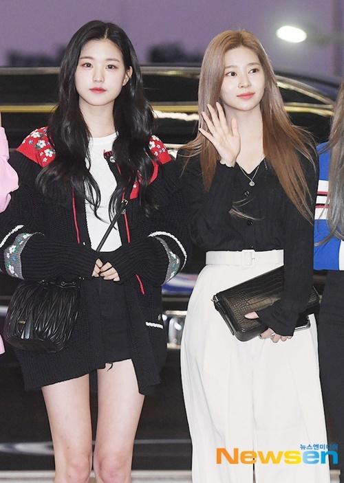 Ngày 29/9, IZONE bay sang Thái Làn để sự KCON. Hai visual đình đám Jang Won Young (tóc đen) và Kim Min Joo cùng đọ sắc ở sân bay.