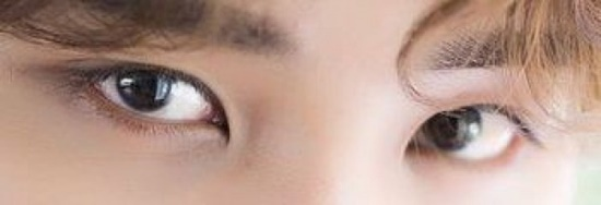 Đôi mắt mạnh mẽ, quyến rũ này là của nam idol Kpop nào? - 1