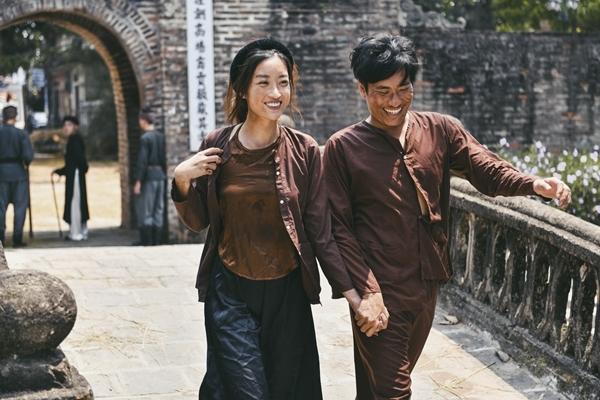 Đỗ Mỹ Linh trong vai Thị Nở đóng chung với Kiều Minh Tuấn.