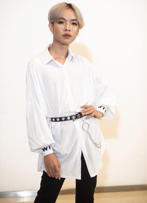 Thí sinh chặt chém với đồ giả gái ở casting Vietnams Next Top Model - 7