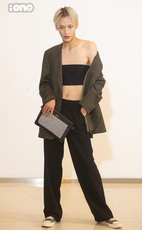 Thí sinh chặt chém với đồ giả gái ở casting Vietnams Next Top Model - 9