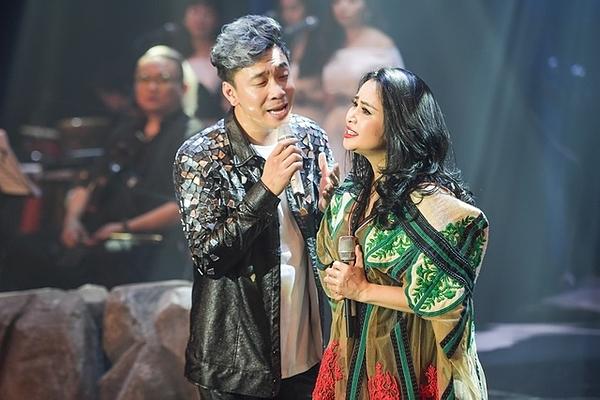 Thanh Lam song ca cùng đàn em.