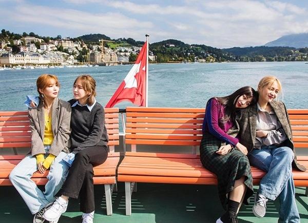 Red Velvet chia cặp đi hẹn hò ở Thụy Sĩ. Chị cả Irene