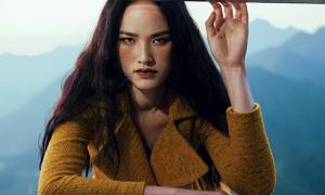Tuyết Lan là 'nàng thơ' cho BST mới của Lê Thanh Hòa