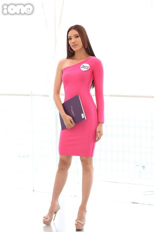 Nguyễn Huỳnh Kim Duyên được đánh giá là nhân tố mới, nổi bật tại cuộc thi. Cô sở hữu vóc dáng bốc lửa, gương mặt góc cạnh.