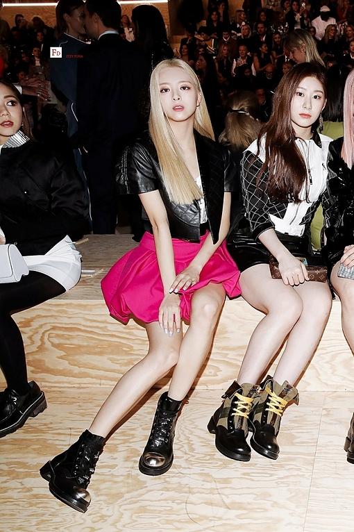 Yuna và Chae Ryeong.