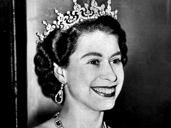 Bạn biết bao nhiêu về Hoàng gia Anh
