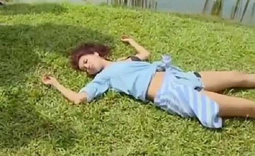 Phơi nắng quá lâu, lao động quá sức khiến Minh Tú ngất xỉu khi tham gia Asias Next Top Model 2017. Cô gặp vấn đề về tim nên thường gặp áp lực và hoảng sợ.