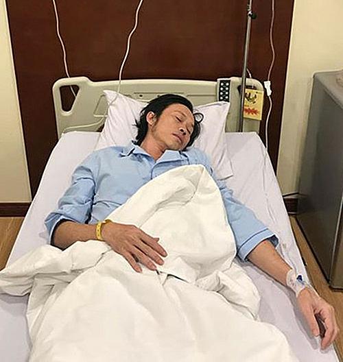 Hoài Linh nhập viện sau khi bị nhiễm trùng đường ruột hồi đầu năm 2017. Nam nghệ sĩ trước đó thường xuyên bỏ ăn đểchạy show, quay hình.