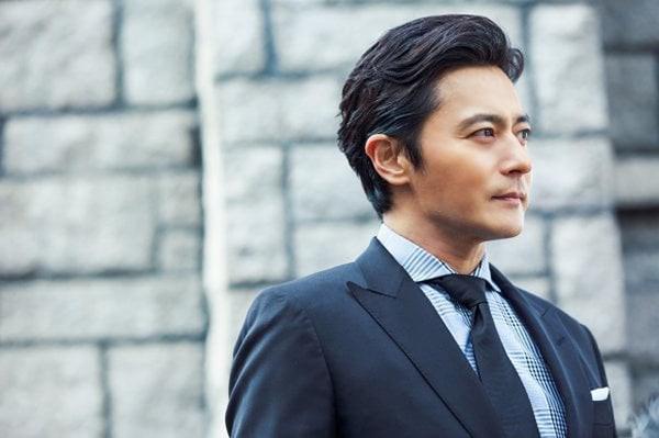 Những diễn viên tham gia lễ trao giải cũng là những cái tên quen thuộc, gây dấu ấn bằng những bộ phim đình đám và đạt nhiều kỷ lục như Jang Dong Gun của Phẩm Chất Quý Ông