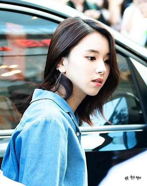 Chae Young là em út nhưng luôn có vẻ đẹp sắc sảo so với hình ảnh đáng yêu mà Twice xây dựng.