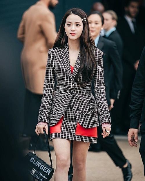 Ji Soo lép vế trong cuộc chiến Tuần lễ thời trang.