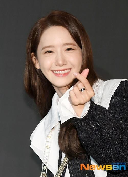 Thành viên SNSD được truyền thông Hàn yêu thích vì tích cách lạc quan, thân thiện và luôn chăm chỉ tương tác.