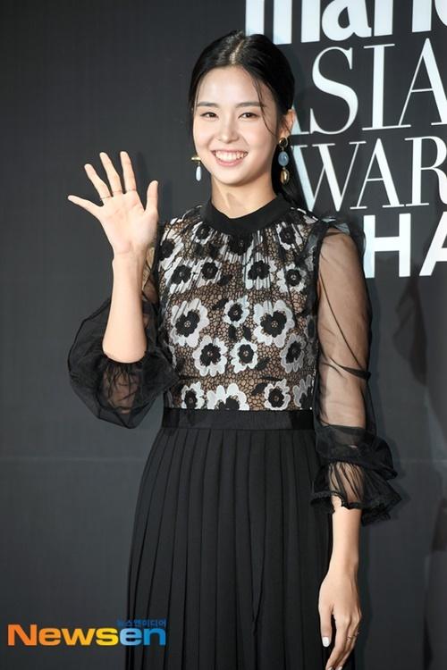 Hoa hậu Hàn Quốc 2019 Kim Se Yeon thường bị chê nhạt nhòa khi tham dự sự kiện.