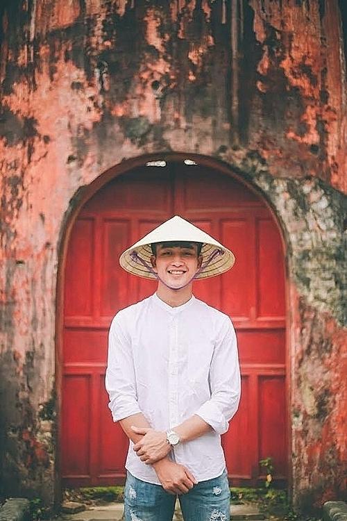 Danh Trung được fan ưu ái gọi là tiền đạo hotboy.