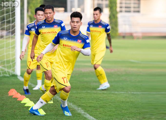 <p> Trước đó, đội tuyển Việt Nam có 2 trận đá tập nội bộ với U22 Việt Nam. Còn 4 ngày nữa, HLV Park Hang Seo cùng các cầu thủ Việt Nam sẽ bước vào trận đấu với Malaysia.</p>