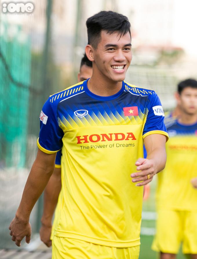<p> Tiến Linh là một trong số hai cầu thủ của U22 Việt Nam được triệu tập lên đội tuyển Việt Nam lần này.Cầu thủ thuộc biên chế CLB Bình Dương có buổi tập đầu tiên với đội tuyển Việt Nam.</p> <p> </p>