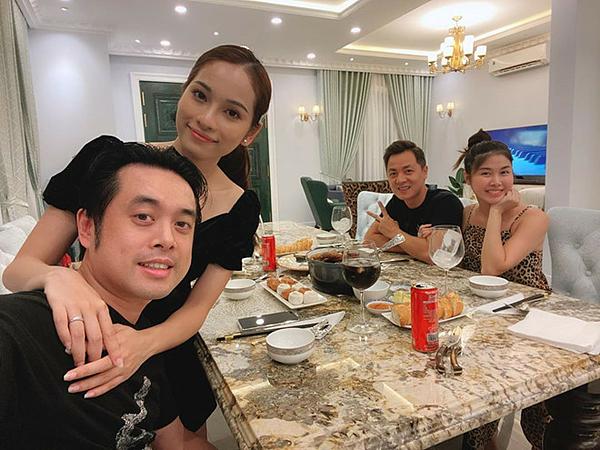 Dương Khắc Linh và Duyên Sara đến thăm nhà Đăng Khôi.