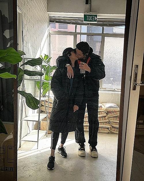Rocker Nguyễn và bạn gái Hải Hà.