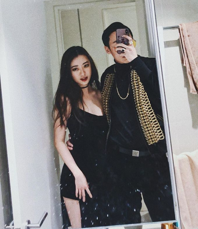 <p> Từ khi công khai chuyện tình, Rocker Nguyễn thường xuyên đăng tải hình với bạn gái. Những hình ảnh ngọt ngào của cả hai nhận được sự chú ý.</p>