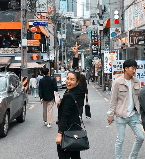 Nhật Kim Anh đang có chuyến công tác ở Hàn Quốc.