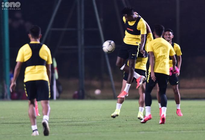 <p> Đội tuyển Việt Nam và Malaysia sẽ có thêm buổi tập làm quen với SVĐ Mỹ Đình vào ngày 9/10, trước khi ra sân lúc 20h ngày 10/10.</p>