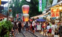 Khu phố đường tàu Thập Phần nổi tiếng ở Đài Loan
