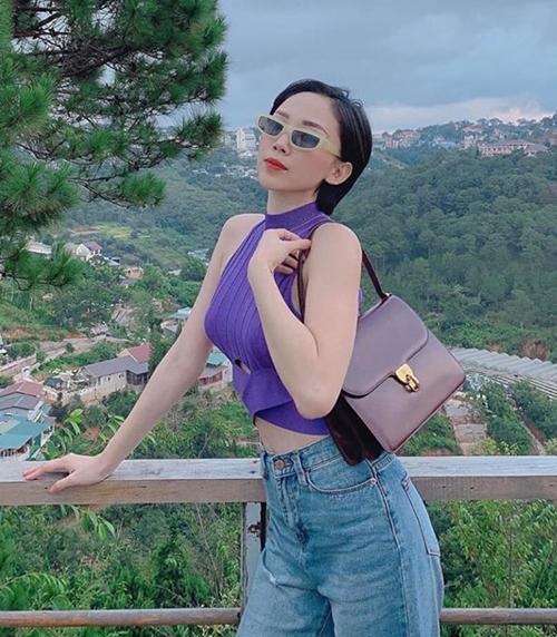 Tóc Tiên giúp chiếc áo tanktop tím của Zara được nhiều cô gái mua theo.