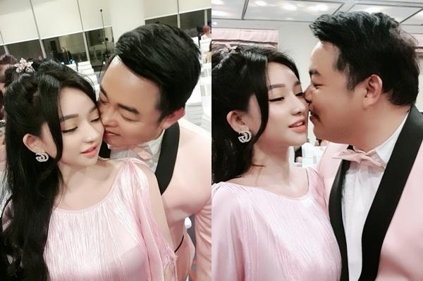 Quang Lê và hot girl Ivy thân mật.