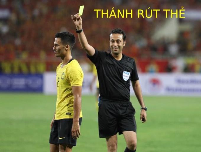 <p> Phút 59, Văn Hậu nhận thẻ vàng sau pha phạm lỗi với Akhyar Rasid. Chỉ vài phút sau,Matthew Davies đội Malaysia cũng nhận thẻ vàng vì lỗi phản ứng với trọng tài.</p>