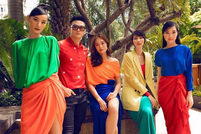 <p> Tham gia buổi tiệc này còn có người mẫu Lê Xuân Tiền. Anh vừa hoàn thành vai diễn trong phim <em>Gái già lắm chiêu 3</em>, cũng dành thời gian đến chúc mừng hai đàn chị.</p>
