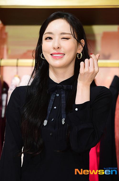 Tzuyu khoe visual nữ thần mùa thu, đọ sắc cùng Lee Da Hee - 6