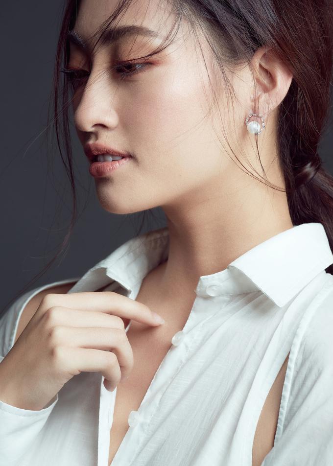 <p> Photo: Kỳ Anh Trần,Stylist: Long Bily,Makeup - Hair: Quân Nguyễn - Pu Lê</p>