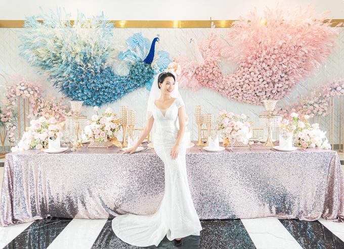 """<p> Hoàng Oanh từng công khai đang yêu bạn trai ngoại quốc đã khá lâu nên fan càng mong chờ về một """"happy ending"""" ở đời thực.</p>"""