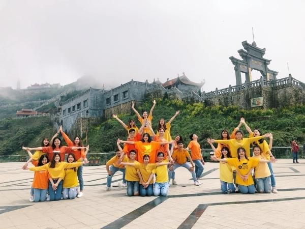Các thành viên của đội ISteps, khoa Quốc tế - Đại học Quốc gia.