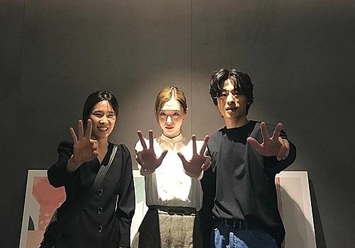 Sulli gặp gỡ nữ diễn viên LeeOk Sub trong một sự kiện ngày 8/10.