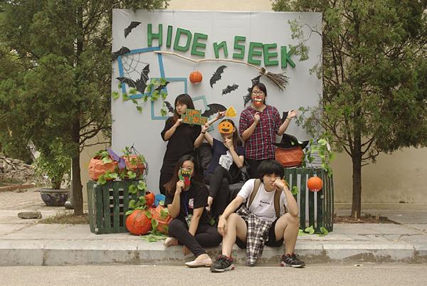 Đến với Photobooth Halloween để lưu giữ kỷ niệm sinh viên.
