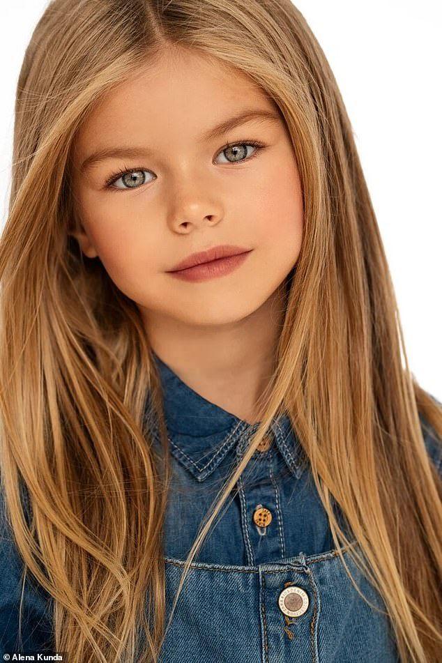 """<p> Những lời khen như """"Em là cô gái dễ thương nhất thế giới"""", """"Công chúa xinh đẹp""""... không hiếm trên trang cá nhân của Alina.</p>"""