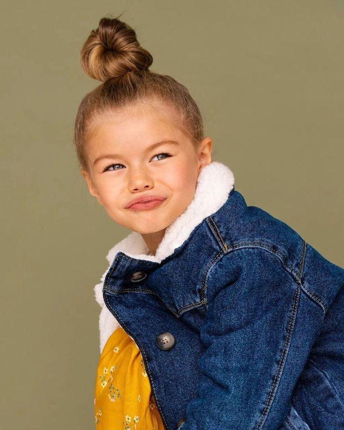 """<p> Nam quản lý cho biết: """"Tôi chắc chắn rằng bí mật thành công của Alina không chỉ ở vẻ đẹp 'huyền ảo', mà còn bởi sự chăm chỉ và không ngừng phát triển bản thân, dù tuổi còn rất trẻ"""".</p>"""