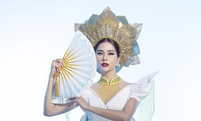Hoàng Hạnh giành giải đồng trang phục dân tộc ở Miss Earth