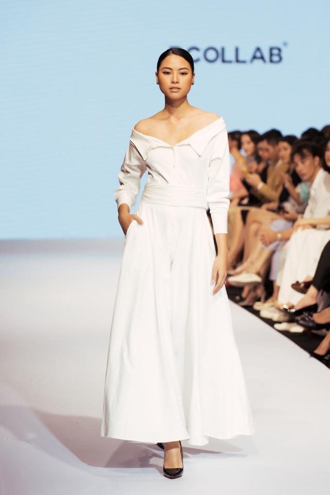 <p> Chất liệu chủ yếu của BST là lụa, vải chemise, lụa satin ánh... đem đến sự mềm mại, nữ tính.</p>