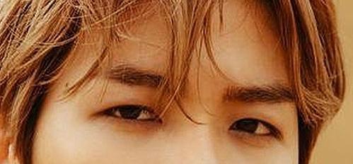 Đôi mắt cuốn hút này là của nam idol Kpop nào? (3)