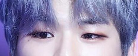 Đôi mắt cuốn hút này là của nam idol Kpop nào? (3) - 3