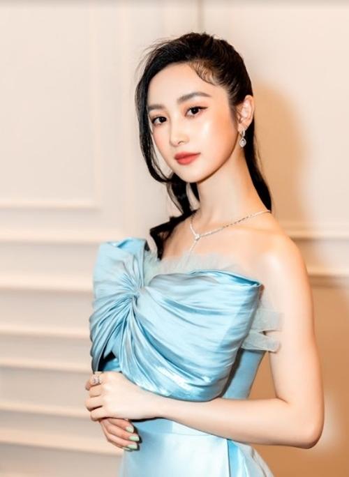 Lan Ngọc - Jun Vũ gợi cảm khi làm gái già lắm chiêu - 3